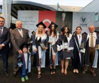 Diplomasını çocuğuyla aldı