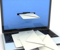 Hükümet istedi, yüzbinlerce e-posta tek tek incelendi