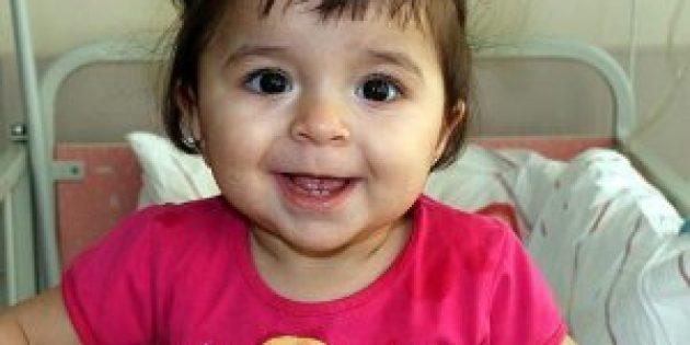 On aylık bebeğin böbreğinden 1,5 santimlik taş çıktı