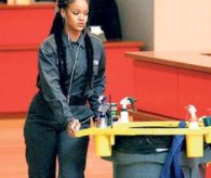 Rihanna iş başında görüntülendi